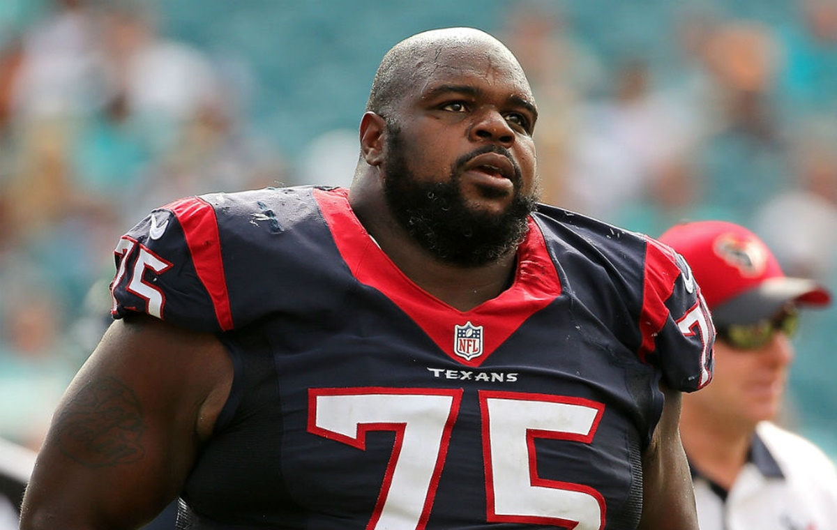 Texans DT Vince Wilfork Bares ALL in Body Issue Gisele Bundchen Brady