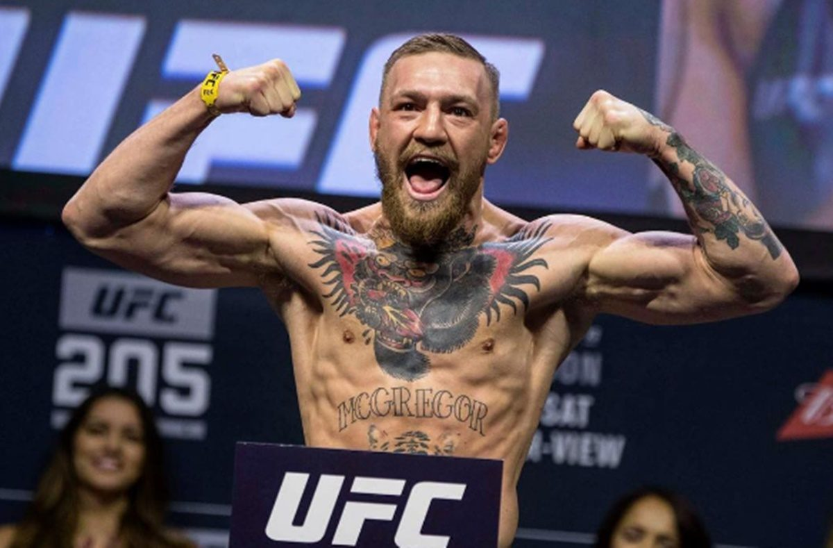 Conor McGregor Calls Out Floyd Mayweather