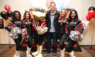 Tony Gonzalez + Atlanta Falcon Cheerleaders Pop up at xXx Screening