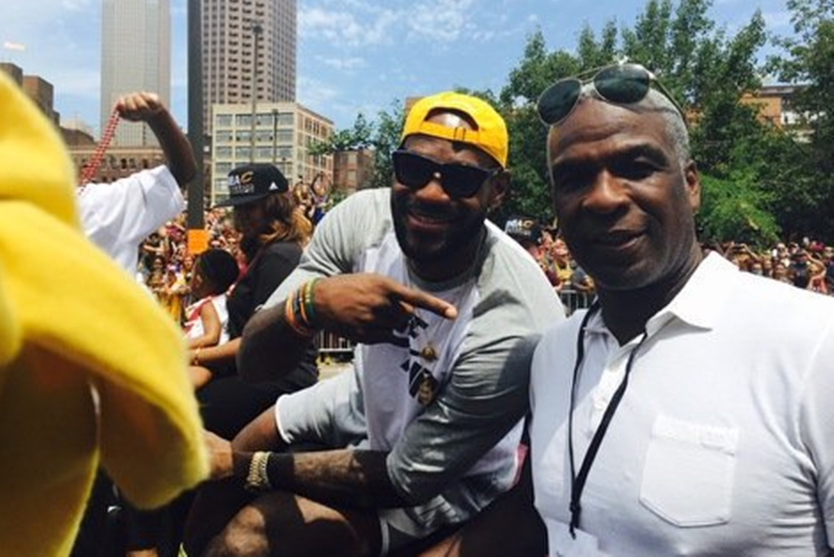 Charles Oakley BAN lifted, He Wants Apology From Dolan