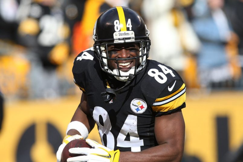 Antonio Brown Makes Wide Receiver History