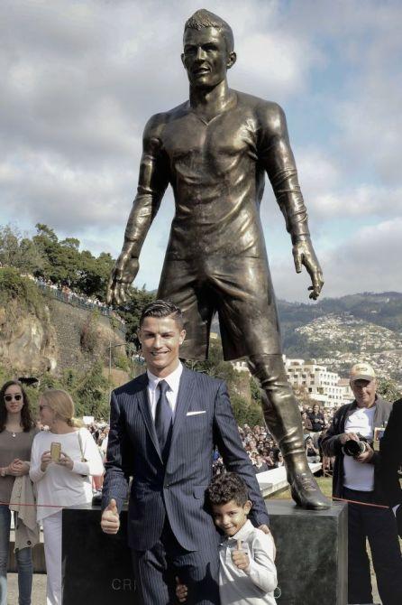 Cristiano Ronaldo Pads His Underwear Says Former Girlfriend