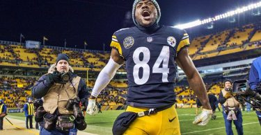 Antonio Brown First Steelers Player to Reach 200 Receiving Yards