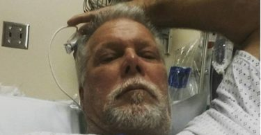 Pro Wrestling Legend Kevin Nash Knee Photo is GNARLY