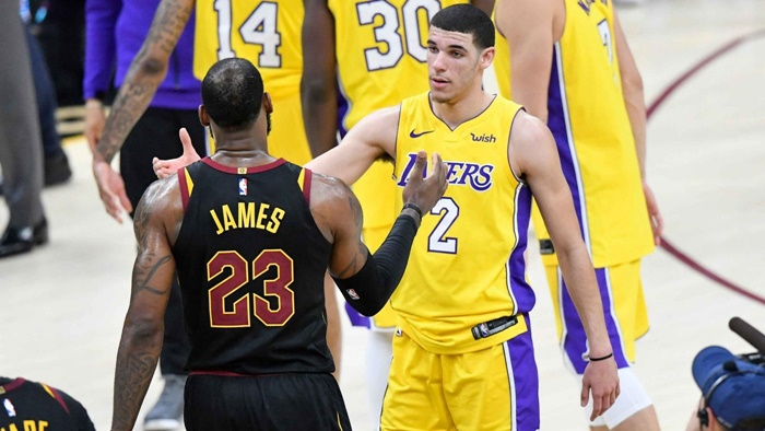 What LeBron Really Told Lonzo Ball on The Court