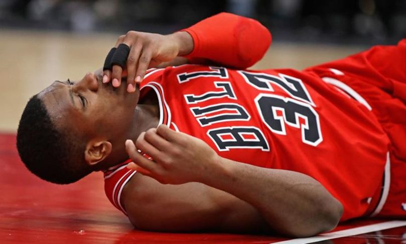 Bulls' Kris Dunn Checked for Concussion After Post-dunk Fall