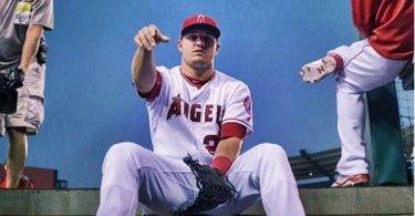 Angels Offering Mike Trout Contract Extension in Offseason
