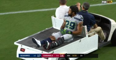 Earl Thomas Injures Leg + Le'Veon Bell There to Laugh