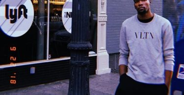 "Kevin Durant Tells Disrespectful Mavs Fans ""F--K Off"""
