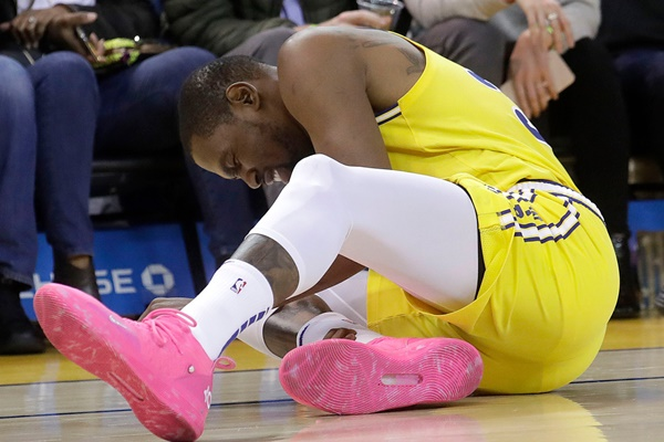 Kevin Durant Suffers Ankle Injury