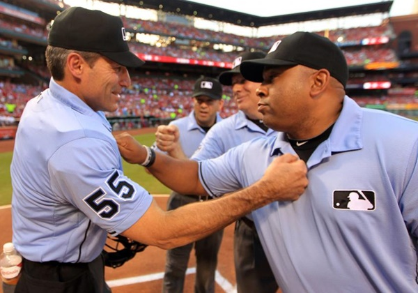 Umpire Angel Hernandez Allege MLB, Joe Torre Discriminate Against Minorities