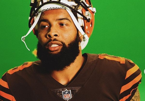"Odell Beckham Jr. Makes Brown Look ""Sooo Good"""