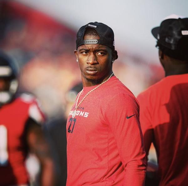 INJURY: Falcons Damontae Kazee Injures Rib; Packers Aaron Rodgers Debut Delayed