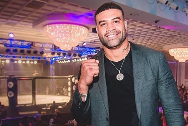 Shawne Merriman Offers Vontaze Burfict An MMA Fight Deal