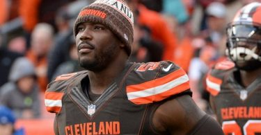 Browns Cut DE Chris Smith Less Than Three Months After GFs Death