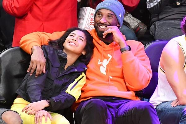 Former Lakers Star Kobe Bryant Dies In Helicopter Crash