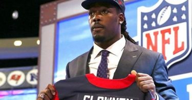 Jadeveon Clowney Reportedly Signing With Titans