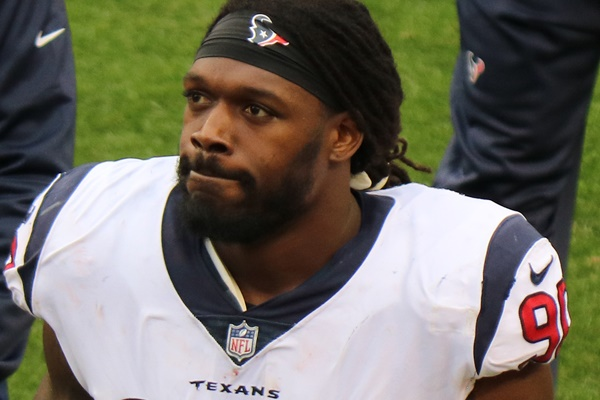 Houston Texans Looking to Trade OL Jadeveon Clowney