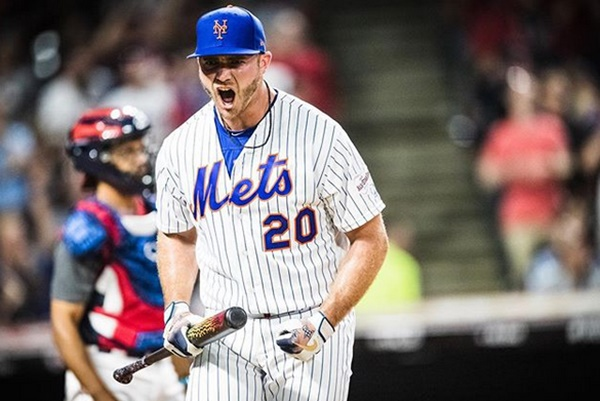 "Pete Alonso RIPS Twitter Troll For Calling Him A""Fat Ass"""