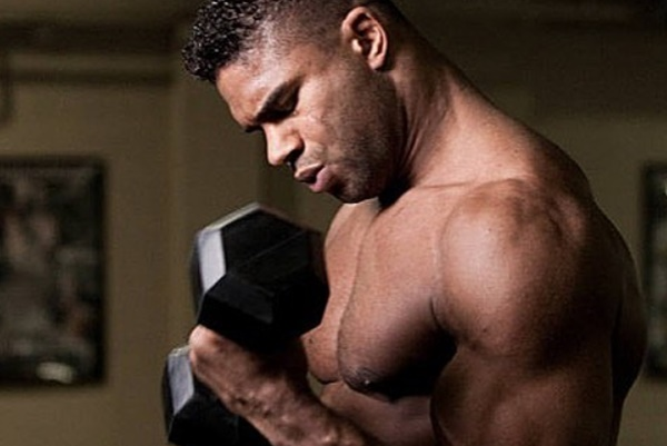 Alistair Overeem Brings Sexy Back With New Kissable Lips