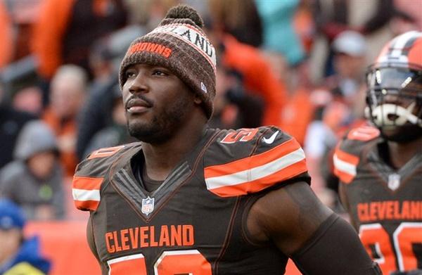 Browns Cut DE Chris Smith Less Than Three Months After GFs Death
