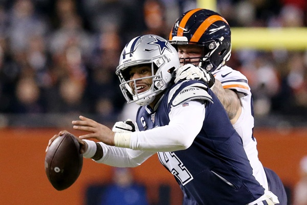 Dak Prescott Suffered Minor Injuries to Hands Against The Bears
