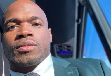 Adrian Peterson In Financial Trouble Again