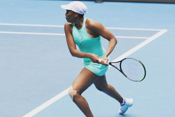 Venus Williams Suffers Ankle + Knee Injury At Australian Open