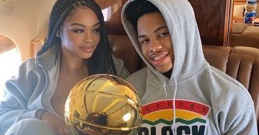 """Anfernee Simons' Girlfriend Dubbed """"Gold Digger"""" By Blazers Fans"""