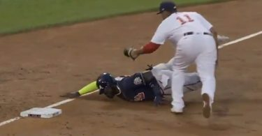 Braves Marcell Ozuna Severely Dislocated Finger In Graphic Video
