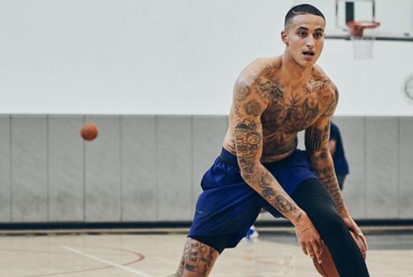 Kyle Kuzma Get MASSIVE Tribute Back Tattoo To Utah