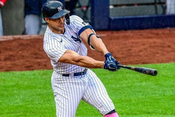 Yankees Giancarlo Stanton Home Run Drills Kid In Forehead